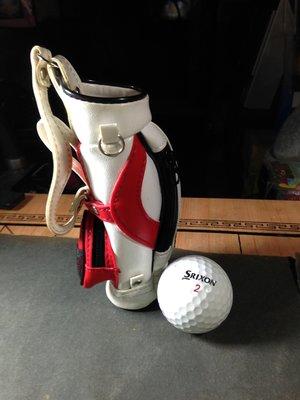 精緻皮革縫製迷你高爾夫球杆背袋/可當筆袋零錢小物存放桶吊飾等用途/附贈二手小白球一顆
