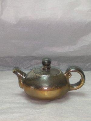 《茁壯啟業 》茶壼 柴燒壼  作者:吳金維  K112  尺寸:9x9x6