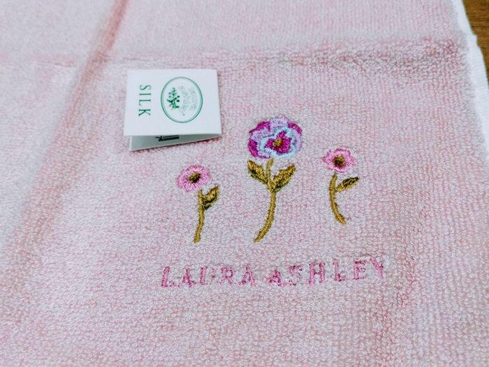 【姐只賣真貨】LAURA ASHLEY 可愛小花方巾手帕(粉紅色)情人節首選禮物