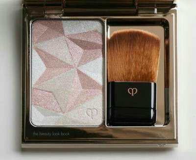 cle de peau luminizing face enhancer colour: 1410g100% real and new