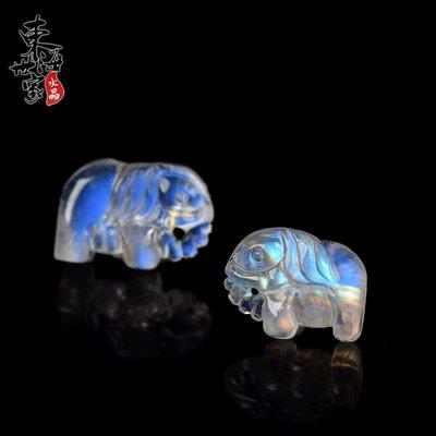 家財佛飾品東海世家月光石項鍊女男 藍月光石雕刻配件手鍊上的吊墜水晶飾品