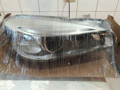 BMW 原廠F45大燈總成
