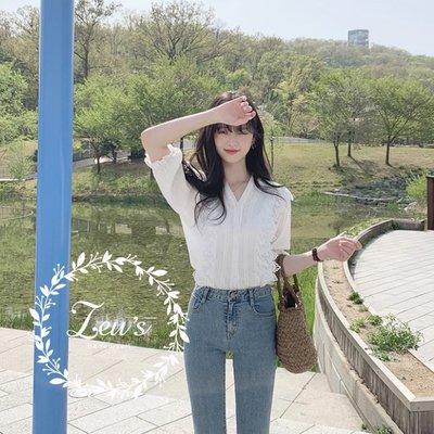 【ZEU'S】甜美蕾絲拼接V領襯衫『 05219608 』【現+預】EA