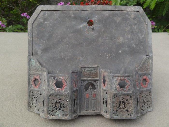 **黑熊古玩藝品**百年台灣文物豪華雕刻燈蕊芯壁掛