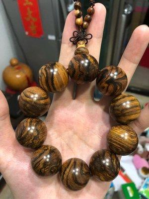 【原生緣】頂級 印尼 花奇楠 沉香 25mm 男女精品 佛珠,念珠,手珠手串。龍柏黑檀 沉香檀香 黃檜木 肖楠 牛樟木