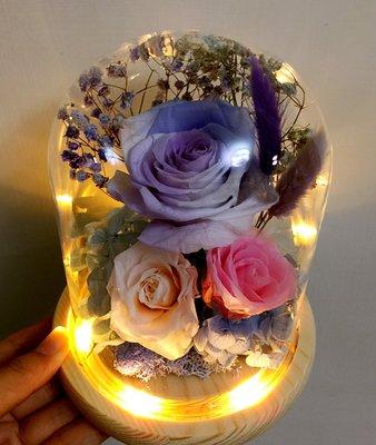 ~*Serena House*~不凋花永生花 美女與野獸 聖誕節禮物 紫白玫瑰不凋花夜燈玻璃盅 婚禮小禮 情人生日禮物