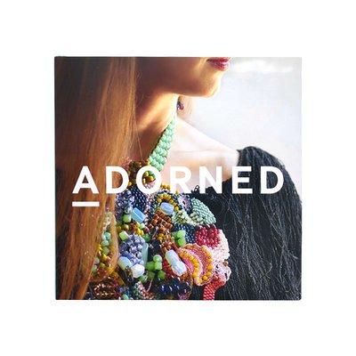 英文原版 ADORNED 裝飾 日常裝飾點綴 生活藝術裝飾品 用裝飾反映傳達身份、文化和價值觀