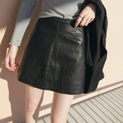 【UBY】霧面啞光!韓版高腰黑色PU皮裙◄No09126