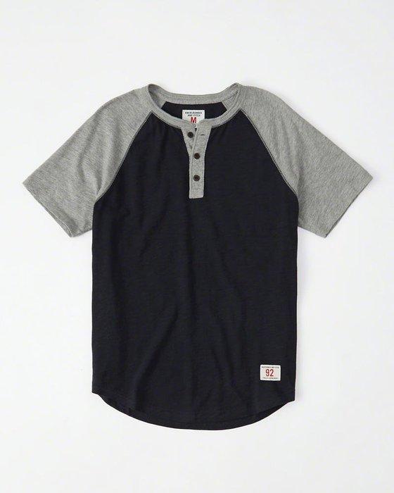 Maple麋鹿小舖 Abercrombie&Fitch *AF 灰+深藍雙配色亨利領短T * ( 現貨M號 )