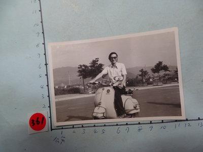 老機車,,偉士牌, 摩托車,古董黑白,照片,相片10