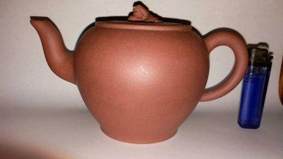 早期高獅燈壺