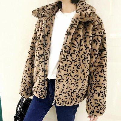 外套 短板大衣 豹紋仿兔絨毛衣外套 秋冬新款流行休閑寬松韓版短款開衫 針織外套—莎芭