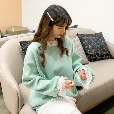 帽T 連帽T恤 寬鬆 圓領 休閒外套冬季韓版甜美寬松加絨假兩件學院風荷葉邊蕾絲拼接字母衛衣女