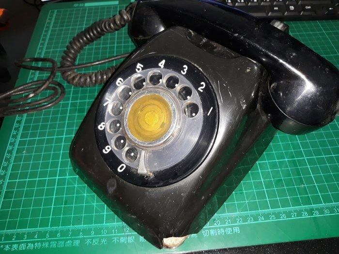 早期電話 《中華電信 600型電話機 黑色 》角有損如照片 裝飾用 無法使用 【CS超聖文化讚】
