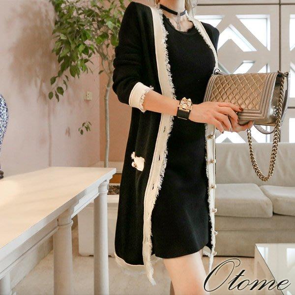 Otome.shop 正韓國空運 小香奈兒風配色線條滾邊金釦長版針織外套【7AUG3-9397607】