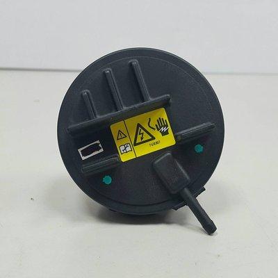 X3 E83 N52 N52N 06- PVC EGR 廢氣閥 汽門 氣門室蓋 油氣 鳥蓋 11127552281
