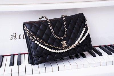Chanel A96572 珍珠鍊帶肩背包 黑 銀鍊