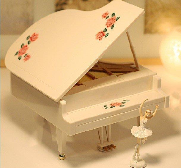 【易發生活館】新品【新品促銷活動】芭蕾跳舞女孩鋼琴音樂盒 八音盒 跳舞 芭蕾 旋轉生日禮物 創意 女 精美大氣 多曲聯播 跳舞