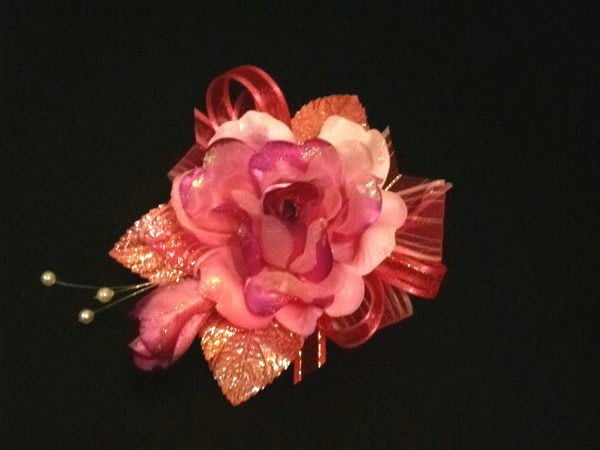 B. & W. world ***美美的花飾*R13106***紅粉桃三款日紗中玫瑰多用花飾***特殊的感覺