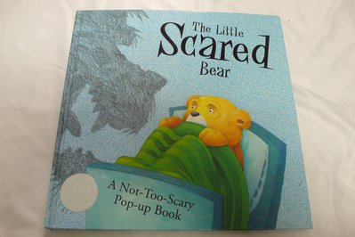 【彩虹小館】P2英文童書~The Little Scared Bear(立體書)