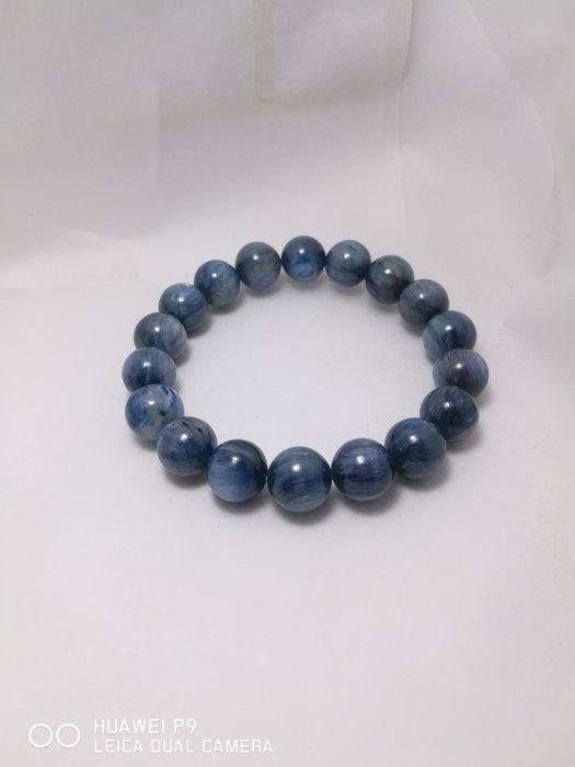 出清降價 . 藍晶石手珠 . 11mm . 44g