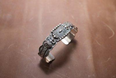 INDIAN NAVAJO 手工沖壓銀手環,嘻皮,哈雷,重機,美式,印地安
