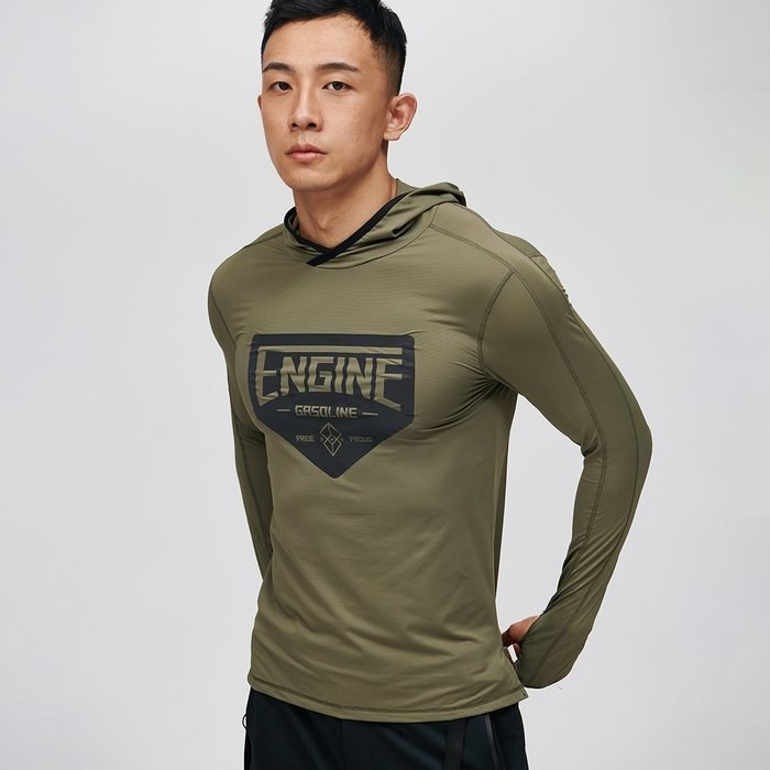 【OTOKO Men's Boutique】固制:反光連帽運動長袖/軍綠色 (台灣獨家代理) 原廠正品