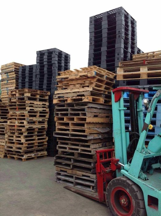 {富通行}專營各類尺寸中古 二手 塑膠棧板 木製棧板 隔板 墊板 批發 零售  園藝 普洱茶防潮可參考!