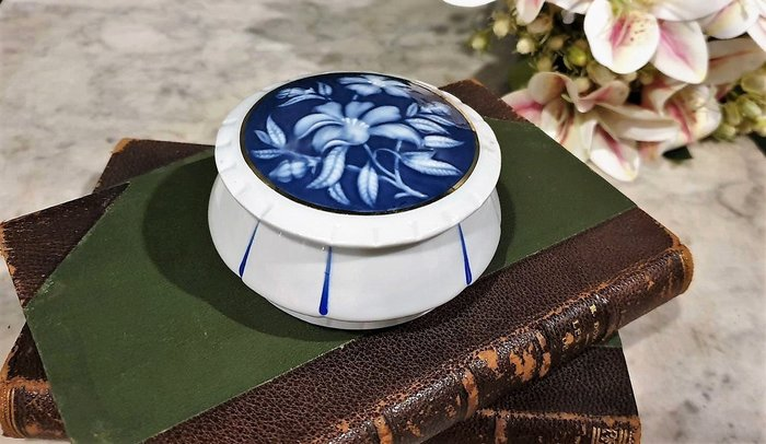【卡卡頌 歐洲古董】🌾法國老件 LIMOGES 利摩日手工 patesurpate 花卉 瓷盒 珠寶盒 p1793 ✬