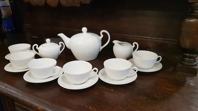 【卡卡頌 歐洲跳蚤市場/歐洲古董】德國老件_Bareuther 白瓷浮雕 整套杯碟壺組 茶壺 奶盅 糖罐p1306✬