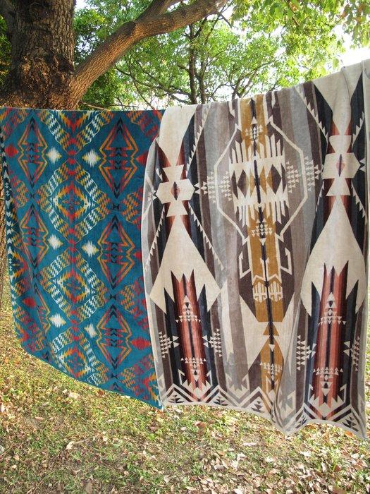 PENDLETON  (浴巾毛巾)  戶外露營用品/野餐毯/多用途毯/空調毯/保暖蓋毯/地毯/沙發毯/車內裝飾