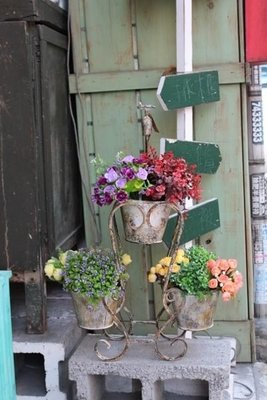 zakka糖果臘腸鄉村坊    雜貨類..復古仿舊3筒花器.做舊感花器花桶.水龍頭造型花架(攝影道具.廣告佈景.會場佈置