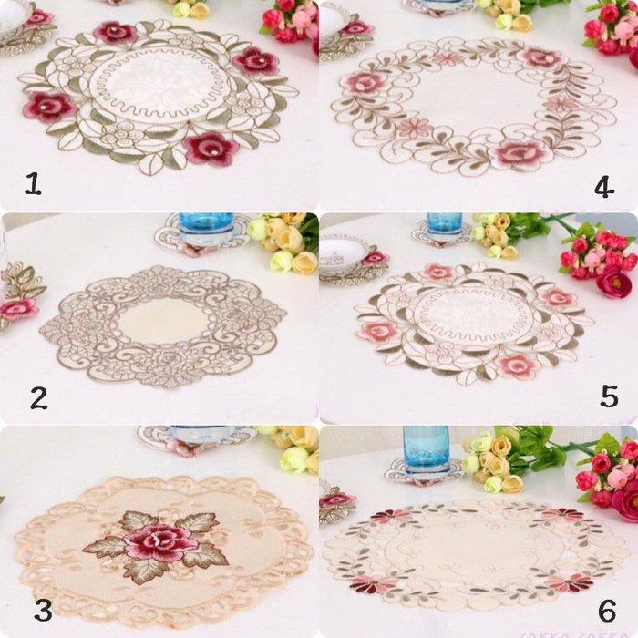 縷空刺繡桌墊 多款 25cm 粉色花卉 花邊 裝飾墊 花瓶墊 墊飾 客廳茶几桌墊居家佈置♡