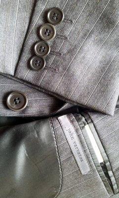 原價$12800 歐碼44 John Varvatos Pinstripe Charcoal Suit
