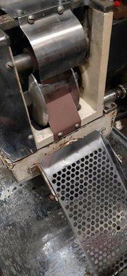 南門餐廚設備拍賣二手自動包水餃機