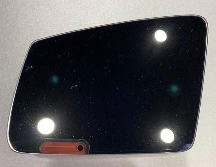 BENZ W212 E250、E200、E220、E350、E55、E63 原廠後視鏡片,另有:大星水柵、置杯架、尾翼