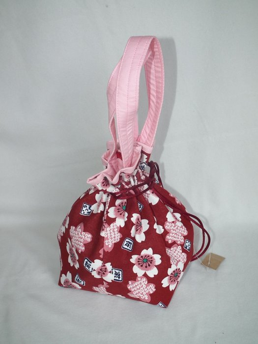 櫻花束口袋 收口袋 手提袋 手提包 拼布 (紅色)  AAD  45  佰渡工坊-臺中市愛無礙協會