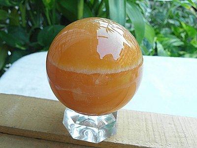 礦石園3541?收藏價2500?印尼天然金田黃球~66mm 淨重409g~非黃玉