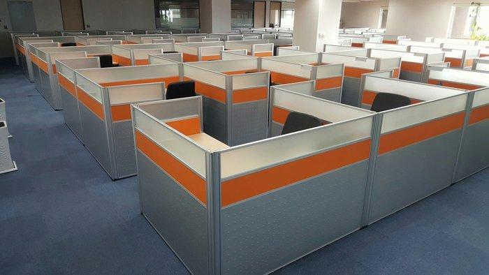 使用不到半年-----9成新 高級H型辦公屏風 震旦行 高級辦公屏風 辦公桌 桌面140公分