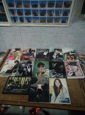 早期知名影视歌星羅志祥,周杰倫,何以奇,許慧欣,王心凌,SHE,的CD十三盒一組,非常希少