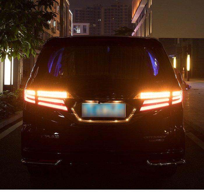炬霸科技 車燈 本田 Honda OdysseyLED 尾燈 後燈 奧德賽 導光 跑馬 方向燈 15-20年 燻黑
