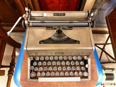 { Ruminant 慕名古物 } ROYAL Quiet Deluxe可攜式打字機1955年
