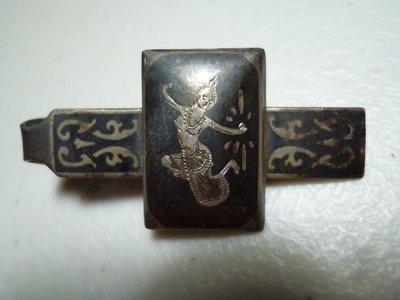 180407~疑似是銀質~泰國民俗適用(罕見~本項目一律免運費~貴金屬)紀念章~領帶夾