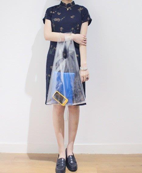 早春必備歐美街拍JIL SANDER STYLE全透明tote手提購物托特包垃圾袋包shopping bag日本潮流超模