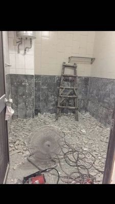 台中拆除浴缸貼磁磚防水漏水管路浴室陽台屋頂外牆窗