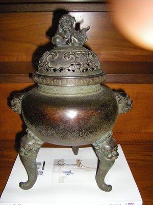 陶木屋   銅蓋獅耳三足薰爐  擺件