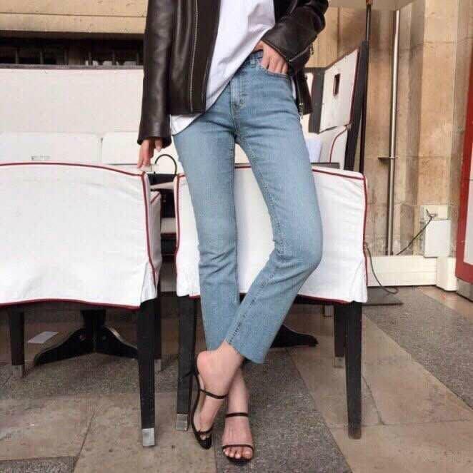 ✽JoBella 韓國空運 韓國代購 韓貨✽ 淺刷色褲腳無修邊直筒牛仔褲 現貨 803034