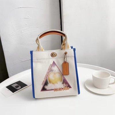 【小怡代購】 全新 COACH 3671 美國正品代購新款蘋果帆布托特包 手提包 超低直購