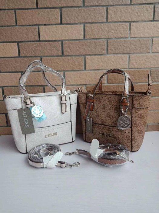 1220:)美國代購 GUESS 經典款LOGO  手提/側背包