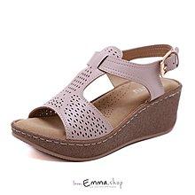 EmmaShop艾購物-正韓國熱銷款復古洞洞渡假涼鞋/楔型鞋跟/大尺碼到42號